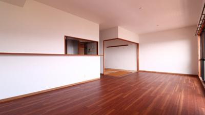 【居間・リビング】リブコートフェリス須磨山手台
