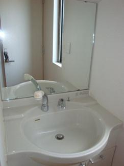 1階にも洗面台を設置。帰宅後に手洗い・うがいができます!