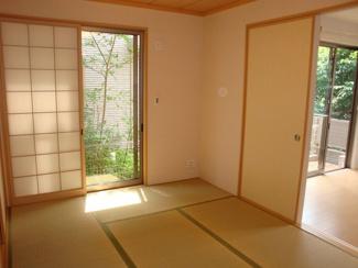 お子様のプレイルームやお昼寝にも最適な和室です。
