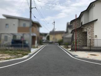【前面道路含む現地写真】守山市小島町 中古戸建