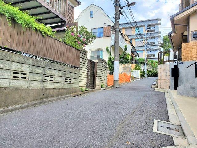 【前面道路含む現地写真】新宿区7丁目 売地