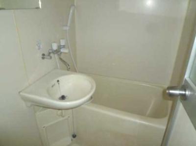 【浴室】フローラハイム バストイレ別 女性限定 収納 南向き