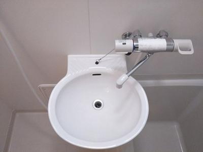 混合水栓で温度調節が簡単!