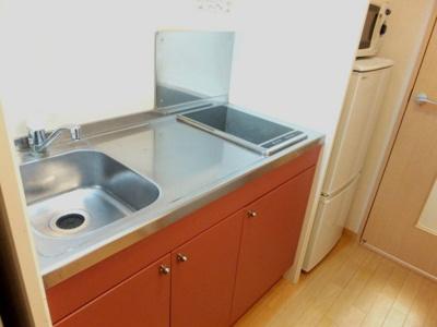 2口電気コンロ電子レンジ冷蔵庫付です