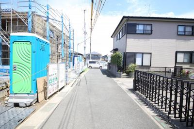 【前面道路含む現地写真】久喜東21期新築戸建