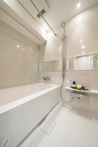 雨の日のお洗濯に便利な浴室乾燥機 標準装備です