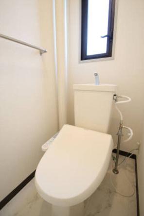 303温水洗浄暖房便座
