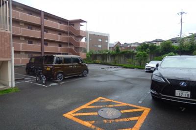 【駐車場】石塚ハイム