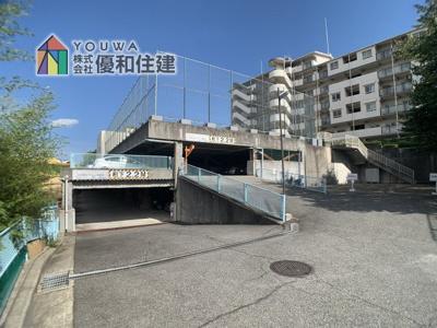 【駐車場】メゾンドール明石山ノ手台B棟