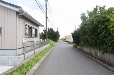 【前面道路含む現地写真】山武市松ヶ谷ロ 新築戸建
