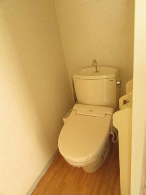 【トイレ】ファミリー東出 B