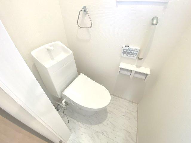現地写真。2階にもトイレです