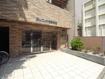 【エントランス】スカイコート新宿曙橋第2
