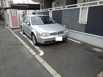 【駐車場】レインボーローズ