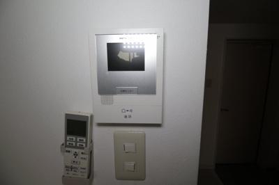 モニター付きインターホン 写真は別室です