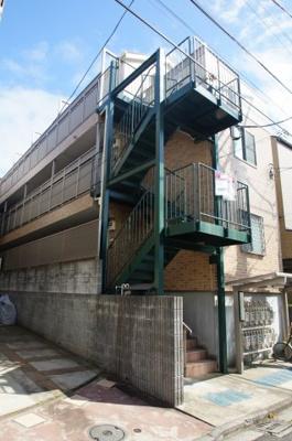 「インターネット無料」&「横浜駅徒歩圏内」のアパートです
