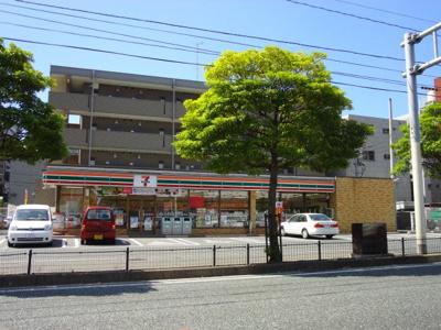 セブンイレブン八幡筒井町店まで466m