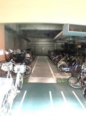 【駐輪場】新大阪グランドハイツ一号棟