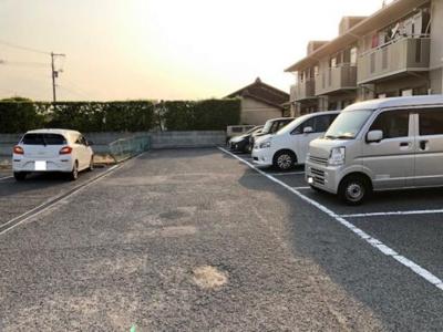 【駐車場】芳泉パル
