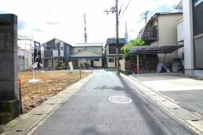 角地で開放的なロケーション!2台以上の駐車場やお庭のスペースも可能ですよ(*'▽')