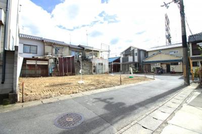 最寄り駅は京阪『観月橋駅』より徒歩8分です♪通勤や通学が便利ですね(^◇^)近鉄やJRにもアクセス可能です。