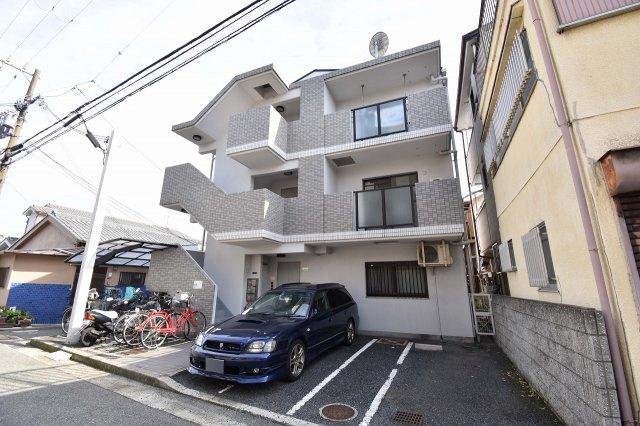 尼崎市東大物町2丁目にございます。
