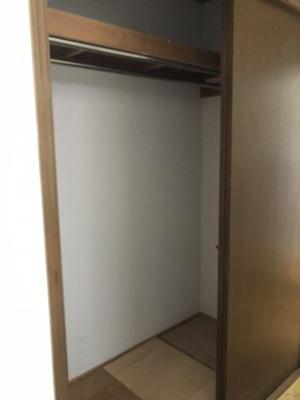 廊下にも大きめ収納