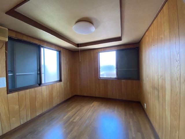 スタンダードな洋室です