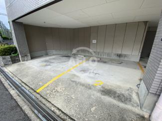中津ヤマモトビル 駐車場
