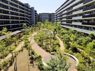 【中庭】ザ・シーズンズグランアルト越谷レイクタウン