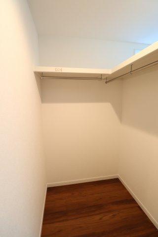 1階と3階の居室にはWICがついてます