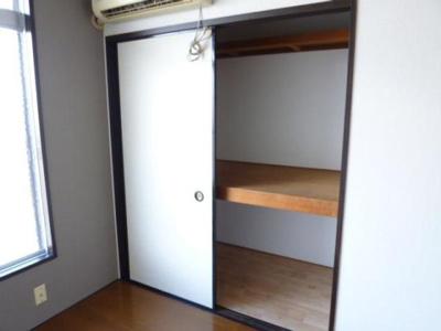 便利な収納スペースあり