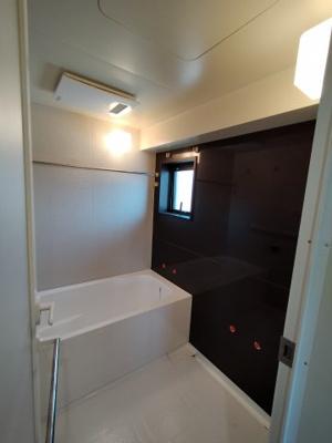 浴室乾燥機(新品)付きの浴室です。 嬉しいReFaバブルシャワーヘッド新調です♪