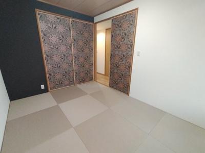 和室:琉球風畳等オシャレな内装のモダンな和室です。