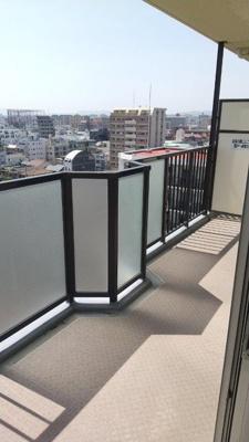 2021年5月改装済み!10階部分の南西向きバルコニーで陽当たり良好です☆