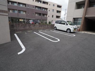 【駐車場】レノヴァティオ (株)Roots