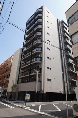 伊勢佐木長者町駅徒歩2分のマンションです。