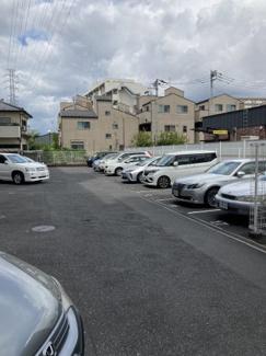 駐車場は平置きタイプです。空き状況等の確認はお問合せください。TEL048-499-3120 イオンハウジングイオンモール北戸田店