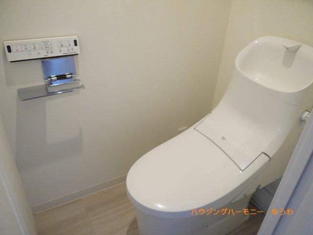 温水洗浄便座、もちろんあります!
