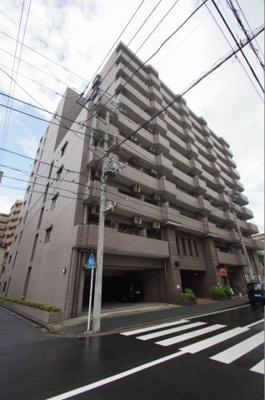 横浜駅から徒歩12分です。