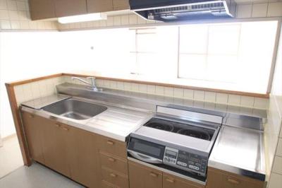 【キッチン】エミナンス・ドゥ・ファミーユA棟