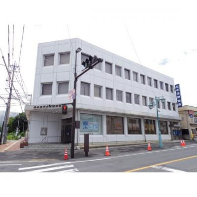 銀行「松本信用金庫塩尻支店まで976m」