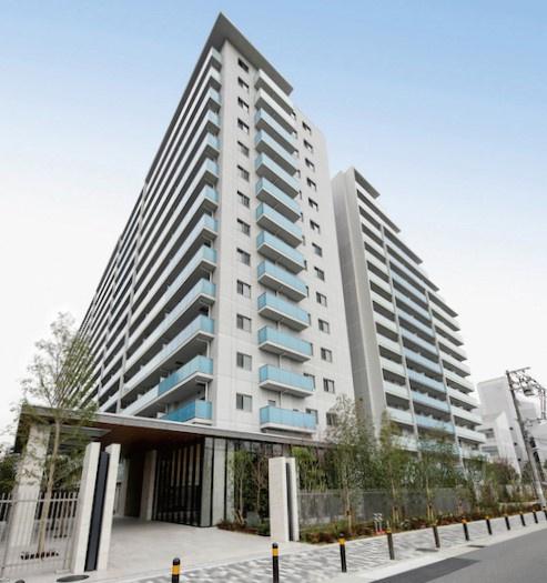 【外観】地上15階建て420戸の大規模マンションでございます。2LDK~4LDKタイプのお部屋で、ファミリー世帯が多くお住まいされています。