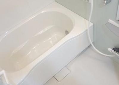 いつでも温かいお風呂に入れる追い焚き機能付きのバスタブです