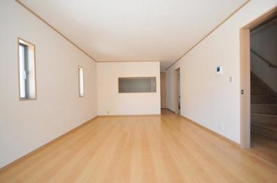 神戸市長田区寺池町3丁目 新築一戸建て 同一仕様例写真です。実際とは色・柄等が異なります。