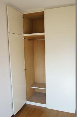 収納スペース付きのお部屋です