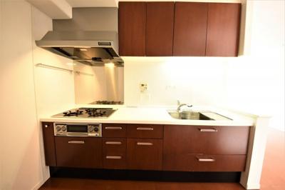 【キッチン】リビオ大手町グランエンブレム