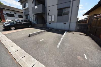 【駐車場】マ メゾン志井