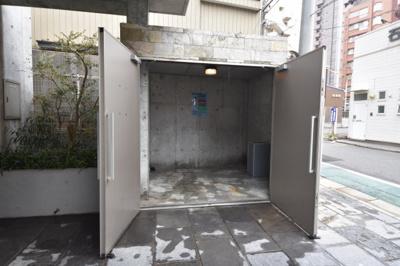 【エントランス】ガーデンコートSUNATSU