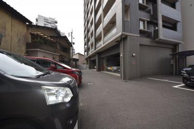 【駐車場】ガーデンコートSUNATSU